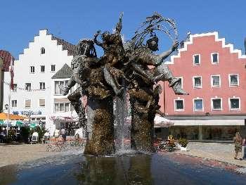 Brunnen am Marktplatz im Cham