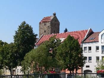Straubinger Turm in Cham mit Storchen Nest