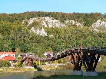 Die Längste Holzbrücke in Europa steht in Essing