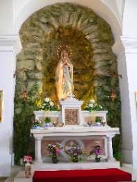 Marien Grotte unter der Kirche
