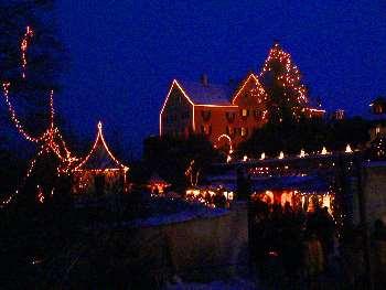 Weihnachtsmarkt Hexenagger bei Nacht