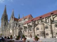 regensburg-sehenswertes-ausflugsziele-historische-bauwerke-regensburger-dom-domplatz-150