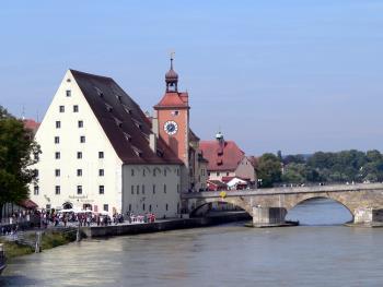 Wurschtkuchl, Salzstadel und Steinerne Brücke