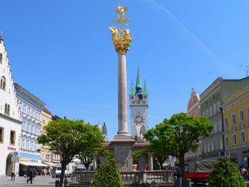 straubing-sehenswertes-ausflugsziele-stadtplatz-saeule