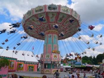 straubing-volksfest-gaeubodenvolksfest-karussell