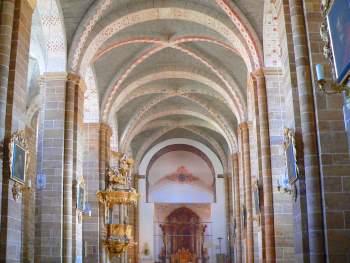 Innenansicht der Klosterkirche Walderbach