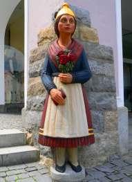 Ewige Hochzeiter am Marktplatz - die Braut