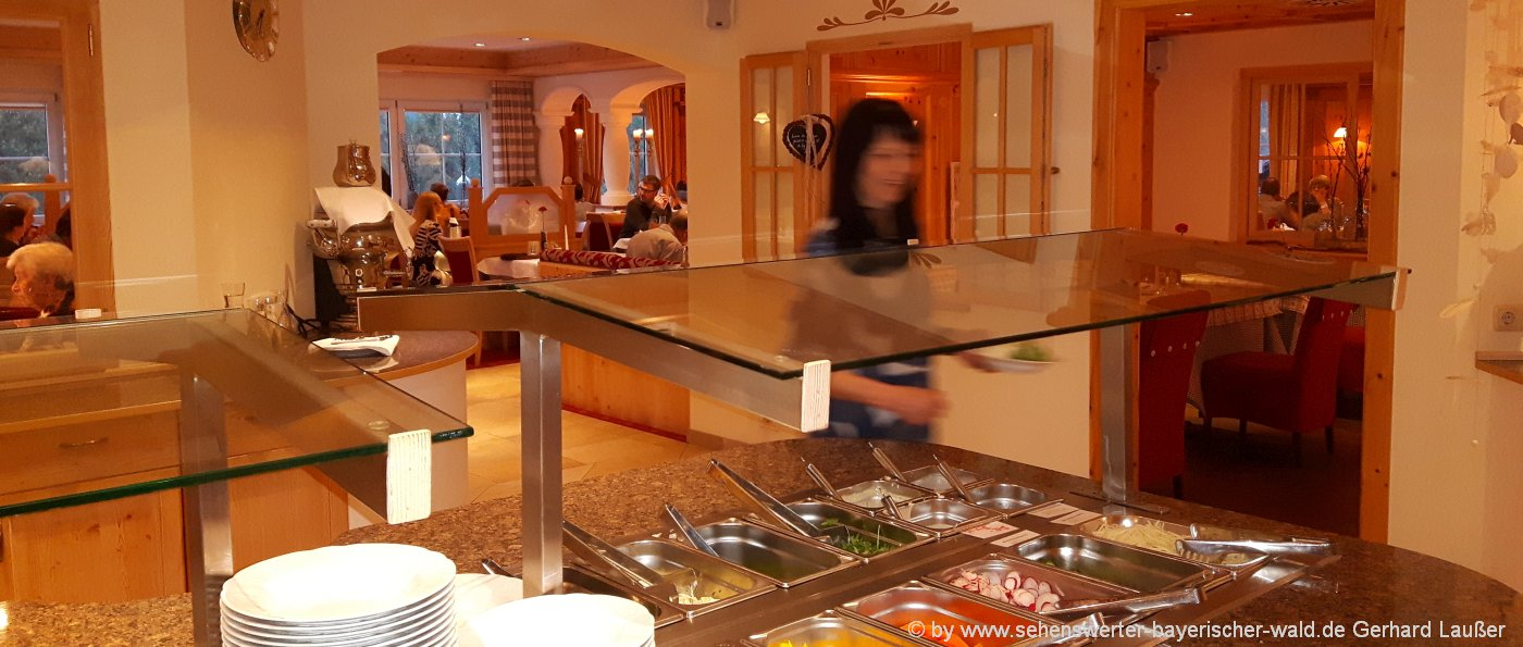 3-4-sterne-landhotels-bayern-hotel-bayerischer-wald-abendessen-1400
