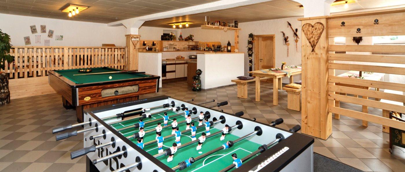 achatz-bayerischer-wald-gruppenunterkunft-aufenthaltsraum-gruppenhaus