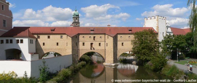 amberg-sehenswuerdigkeiten-wahrzeichen-stadtbrille-panorama-1400