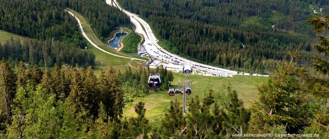 arber-talstation-wandern-aufstieg-ausblick-gondelbahn