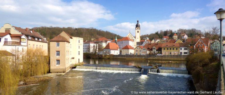 ausflugsziele-landkreis-schwandorf-sehenswürdigkeiten-oberpfalz-fluss-stadtansicht