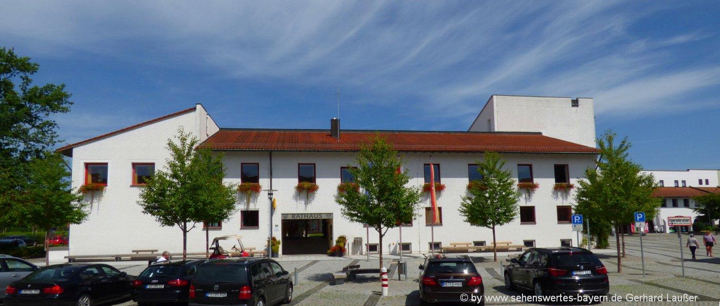 bad-birnbach-rathaus-sehenswertes-niederbayern-bäderdreieck