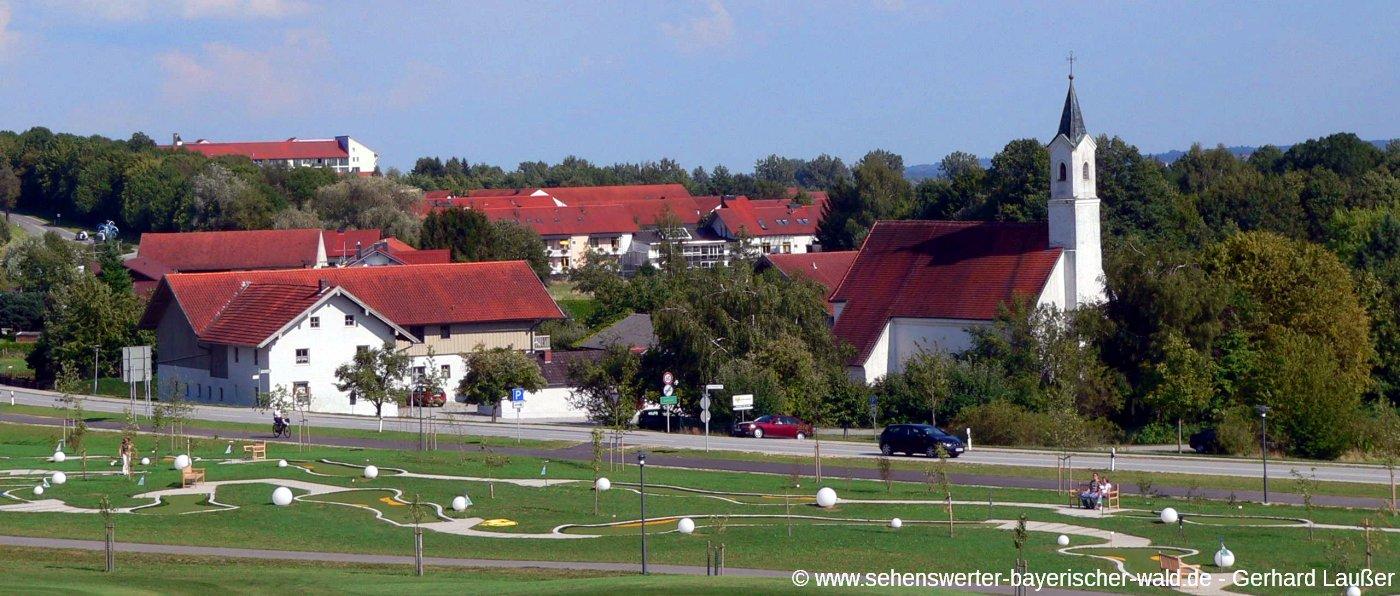 bad-birnbach-sehenswuerdigkeiten-baederdreieck-stadtansicht-golfplatz-panorama-1400