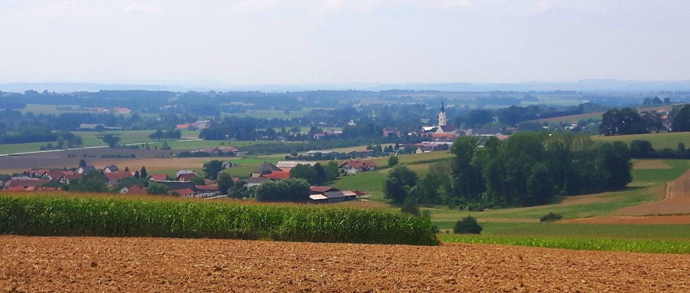 Rundwanderwege Bad Griesbach Wandern Blick auf Karpfham
