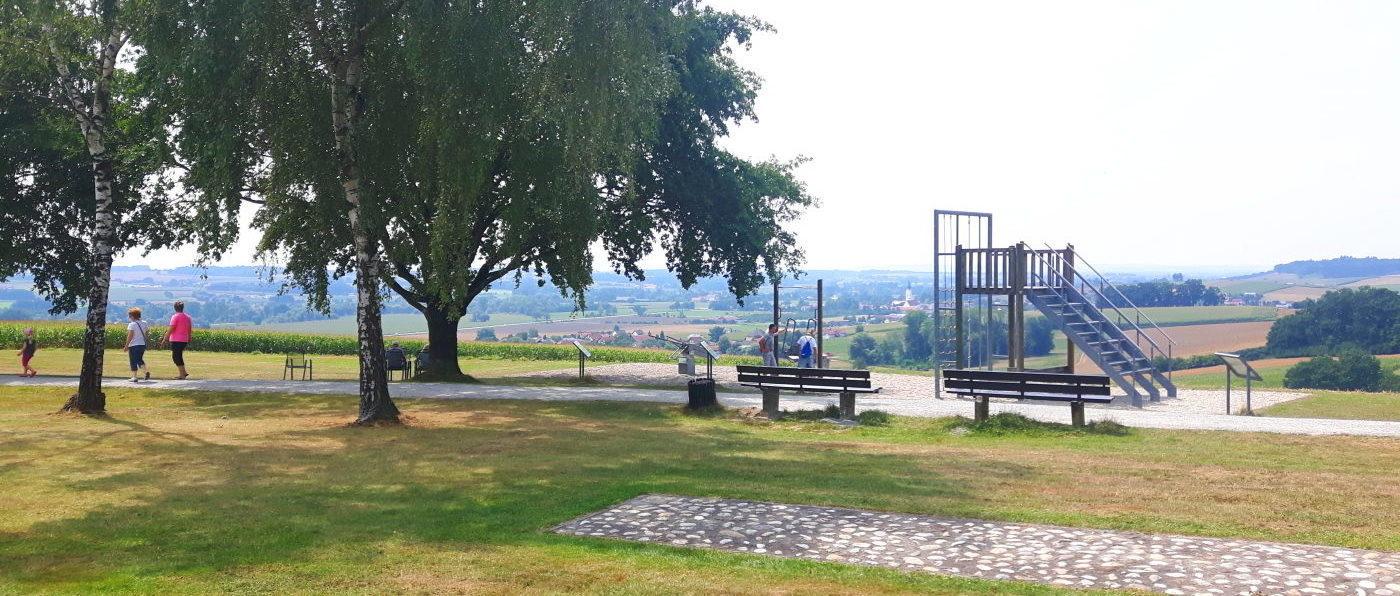 bad-griesbach-wandern-rundweg-rottal-wanderweg-ruhebank