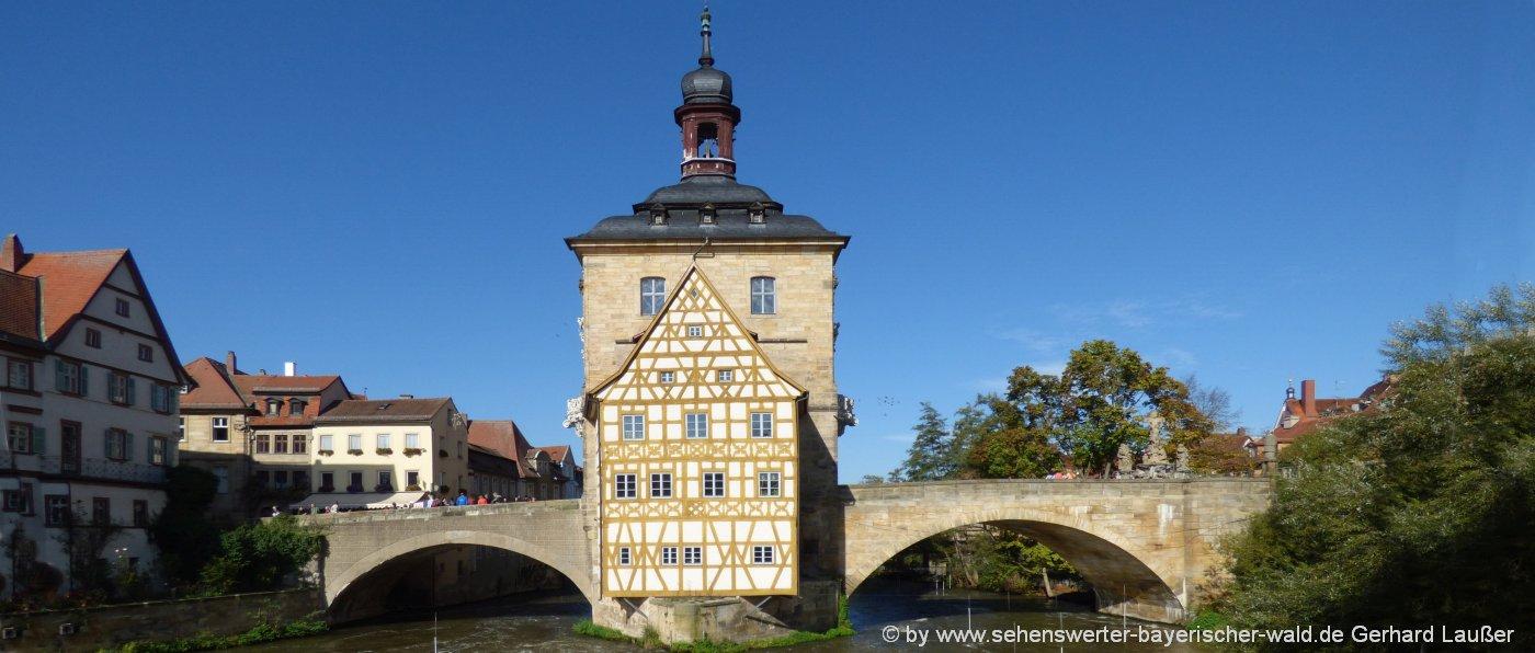 bamberg-sehenswuerdigkeiten-rathaus-wahrzeichen-fluss-bruecke-ausflugsziele