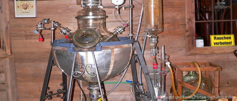 Gläserne Destille Böbrach Schnapsmuseum mit Bärwurzbrennerei