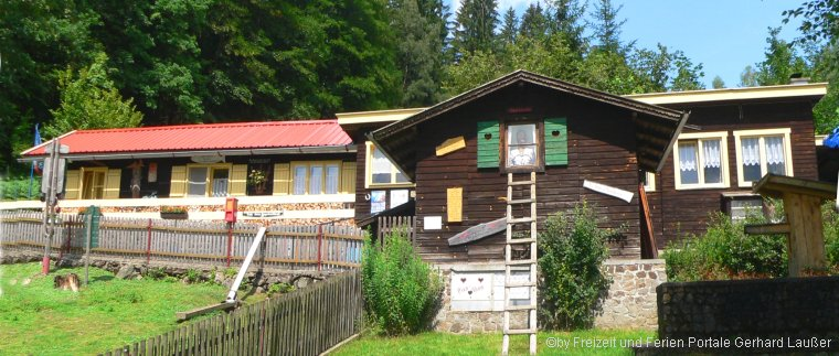 Märchenalm in Böbrach Märchenwald Landkreis Regen Bayerischer Wald