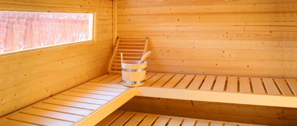 luxus-hütte-bayerischer-wald-holzhaus-sauna-wellness