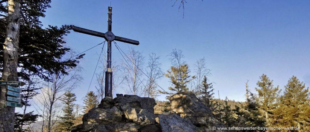 Wanderung ab Bernried zum Burgstein Gipfelkreuz