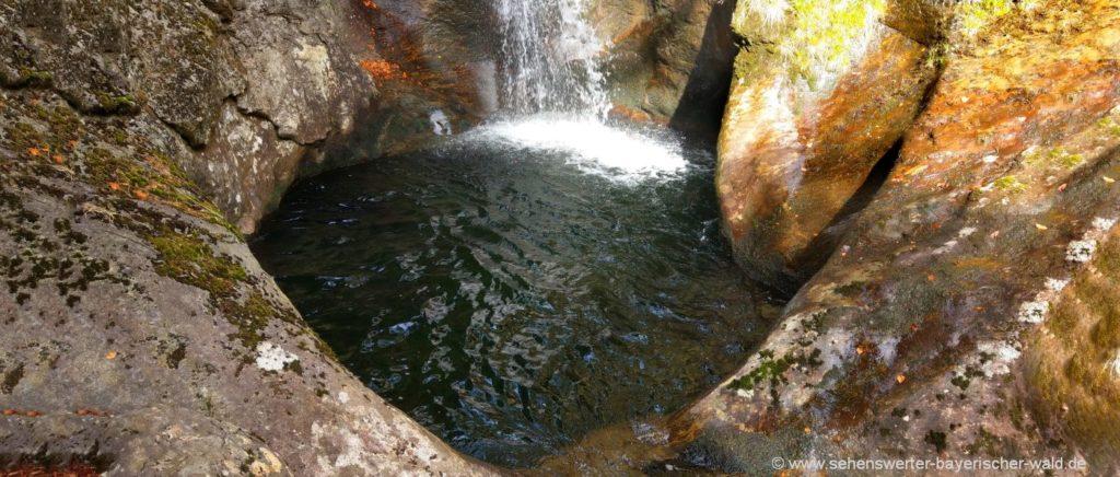 Wasserloch beim Hochfall Wasserfall Rundweg ab Bodenmais