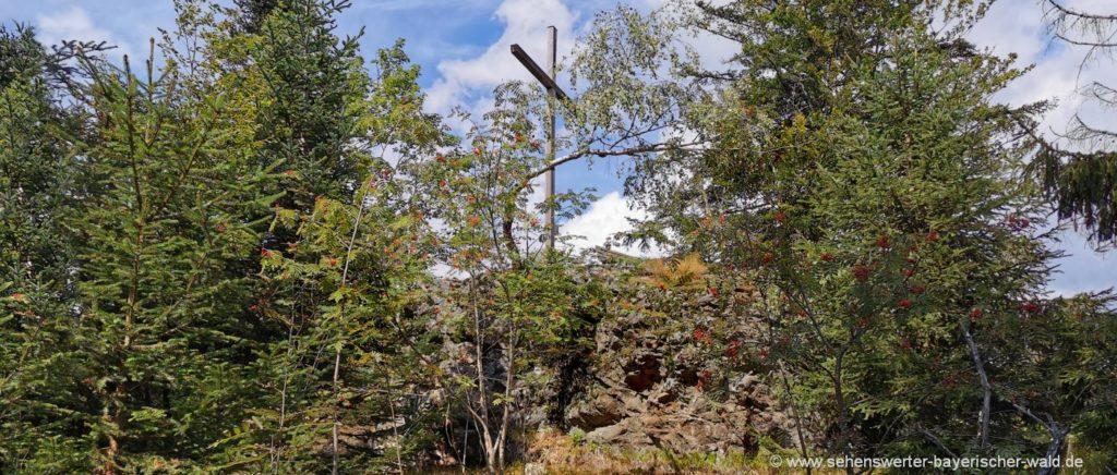 Bodenmais Rundweg zum Kronberg Gipfelkreuz