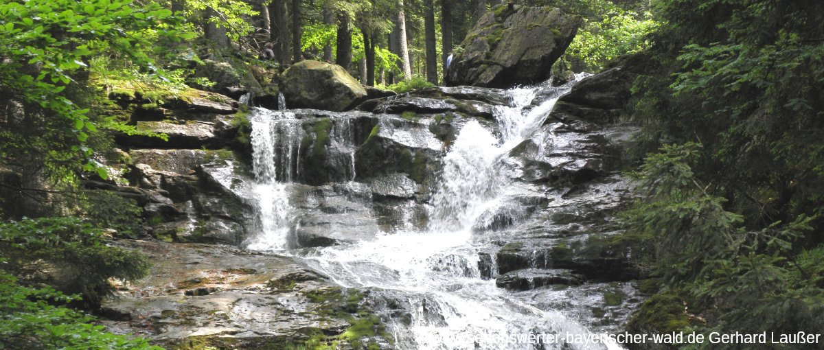bodenmais-riesloch-wasserfall-wandern-bayerischer-wald-panorama