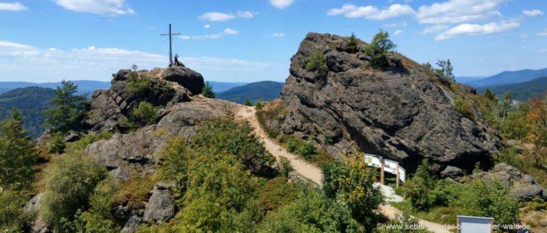 bodenmais-silberberg-wandern-gipfelkreuz-bayerischer-wald