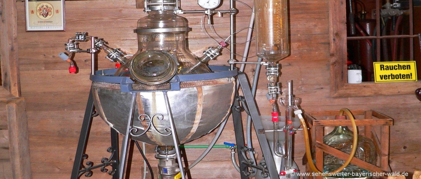 Gläserne Destille Penninger Schnapsmuseum in Böbrach