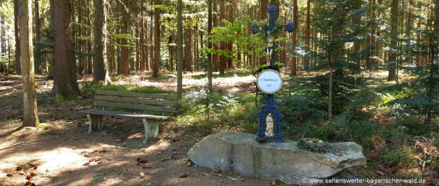 Wandern zum Jagakreuz und Platte am Wolfgangsriegel bei Böbrach