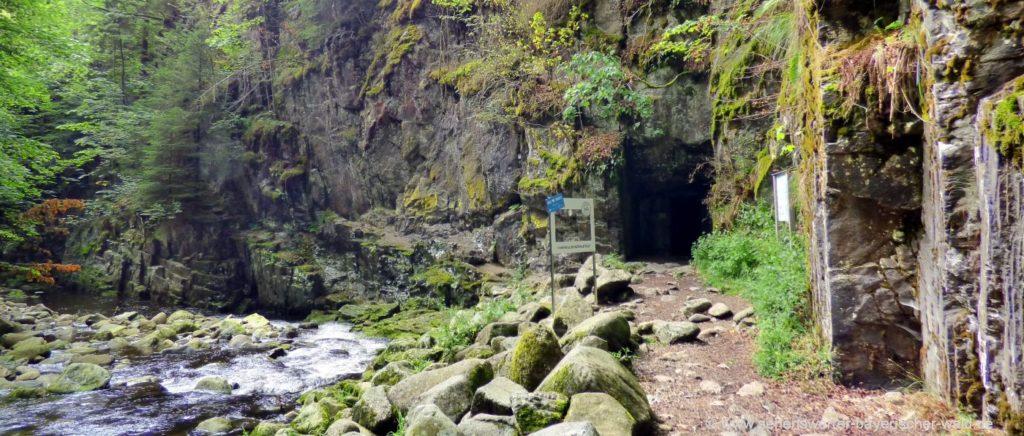Tunnel beim Carbidwerk an der Wolfsteiner Ohe Buchberger Leite