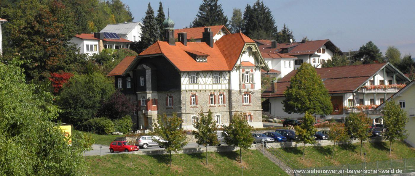 Büchlberg Ausflugsziele und Sehenswürdigkeiten - Bild Rathaus