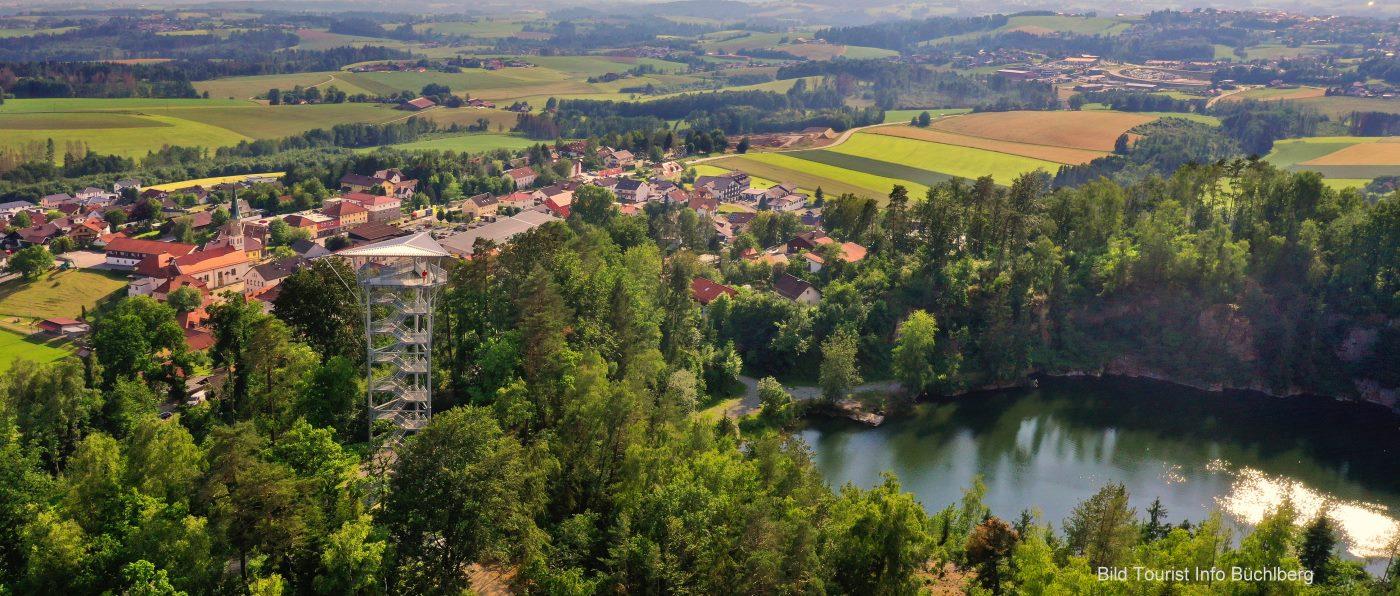 Büchlberg Aussichtsturm am Steinbruch See