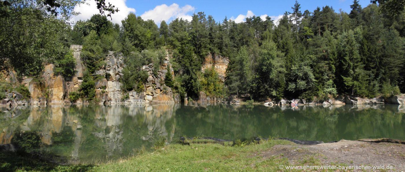 Rundwanderweg Büchlberg Steinbruch See Felsen Stoabruch