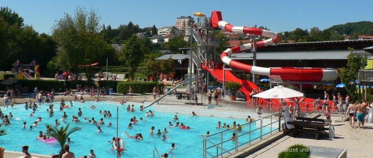 Freizeitbad in Cham Erlebnisbad in der Oberpfalz mit tollen Wasserrutschen