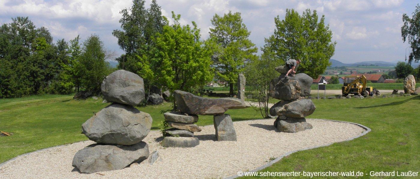 cham-pfahl-kinderspielplatz-felsen-klettern-panorama-1400