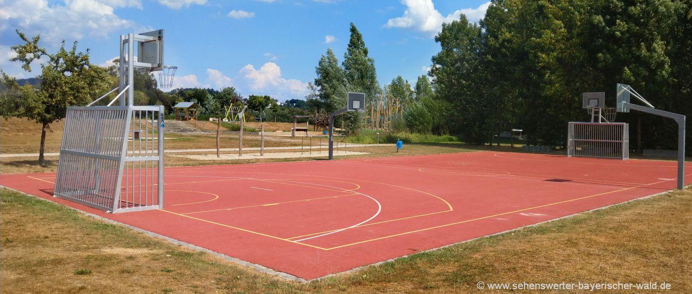 Sportfeld am Freizeitpark Cham Spielfeld für Fußball, Volleyball, Basketball