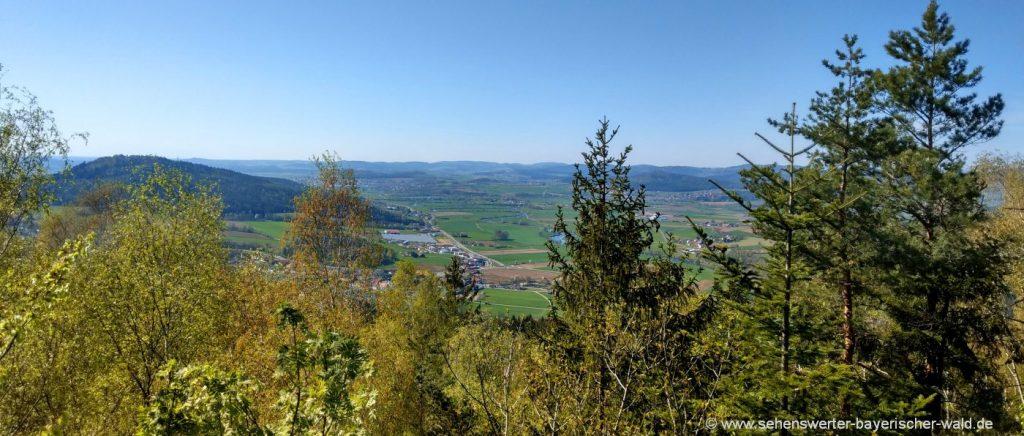 chamerau-kreuzfelsen-wanderwege-rossberg-aussichtspunkt