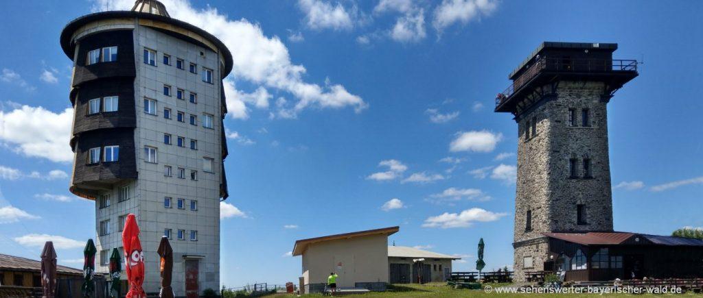 Beliebtes Ausflugsziel Cherkov in Tschechien Aussichtsturm