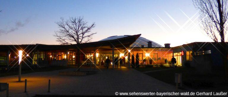 deggendorf-freizeitbad-elypso-erlebnisbad-niederbayern-therme-panorama-1200