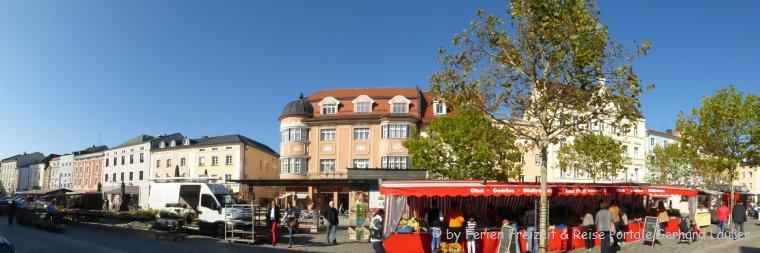 Sehenswürdigkeiten in Deggendorf Stadtplatz mit Bürgerhäuser