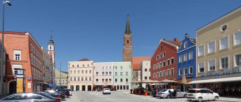 eggenfelden-sehenswuerdigkeiten-niederbayern-ausflugsziele-stadtplatz-panorama