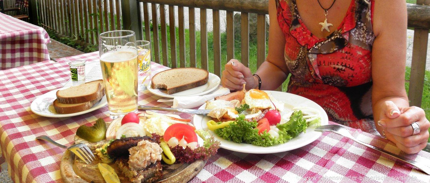 essen-selbstversorgerhaus-bayerischer-wald-selbstversorgerhuetten-brotzeit