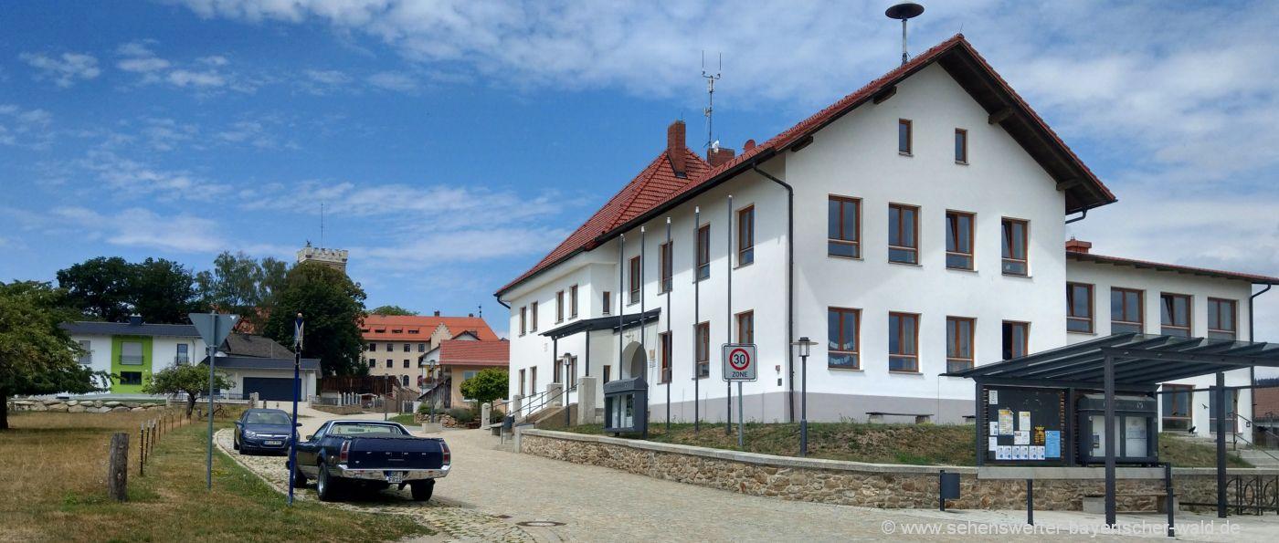 falkenfels-gemeinde-sehenswürdigkeiten-ausflugsziele-rathaus
