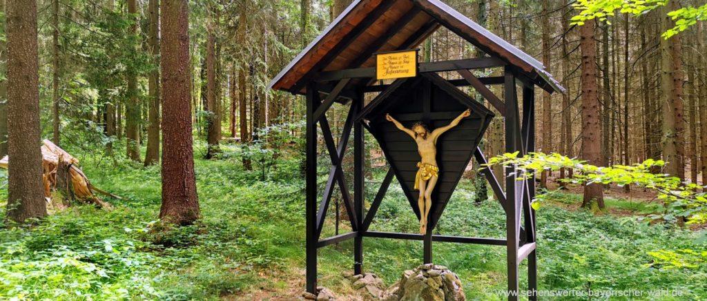 Pallottiweg beim Pallottiner Missionshaus Falkenstein Hofstetten