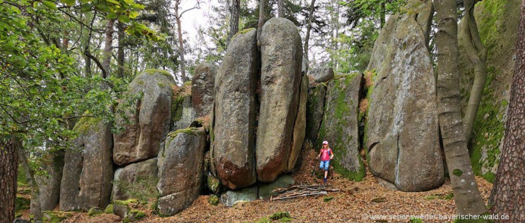 Hinkelsteine am Semmelberg bei Falkenstein Seinstelen
