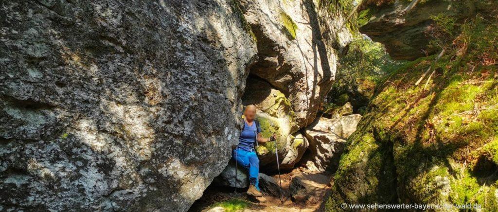Wanderung im Felsenwandergebiet am Nationalpark Bayerischer Wald