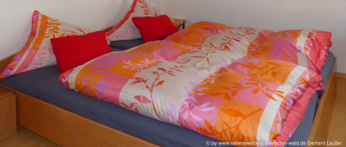 ferienwohnungen-bayerischer-wald-unterkunft-bayern-schlafzimmer