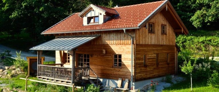 fischer-sunleitn-berghütten-waldrand-chalets-für-paare-bayern